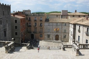 looking-down-the-steps-from-la-catedral-sarria-de-ter